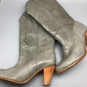 Dingo gray heeled cowboy western boots